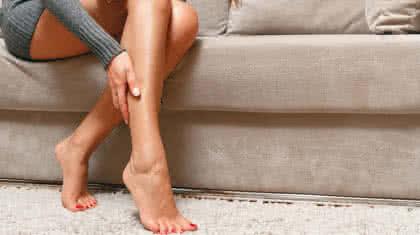 Jambes lourdes, la faute à une mauvaise circulation sanguine veineuse